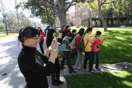 2011年冬令营小记者集体参观南加州大学(组图)