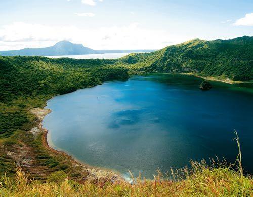 塔阿尔湖与我国的千岛湖感觉相似,都有着浩淼无垠的湖光山色,菲律宾人