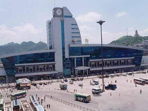 清明节小长假期间 贵阳火车站加开4趟临客