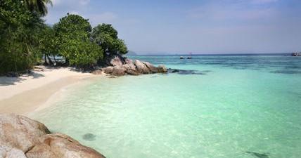 旅游贴士:   富国岛位于越南西部,暹罗湾,柬埔寨以南的海域.
