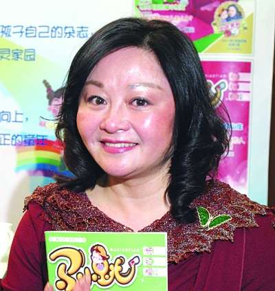 杨红樱呼吁儿童读纸书
