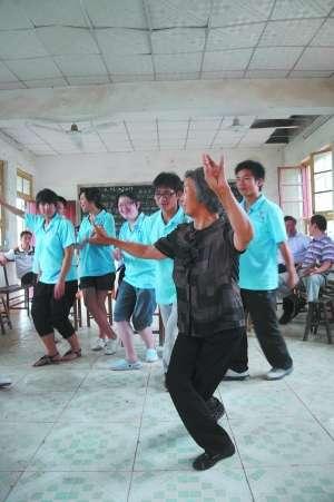 河南师范大学组织社会实践小分队深入民间