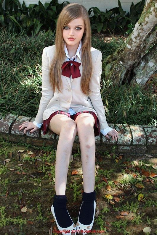 高清:16岁校园美少女五官精致