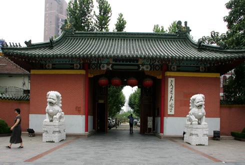 上海交通大学校门-上海交通大学校园风景